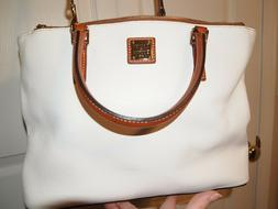 Large Leather White Dooney & Bourke Crossbody purse with org
